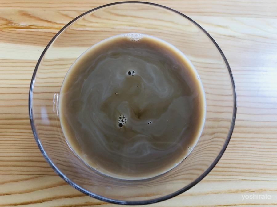 アーモンド効果をコーヒーに入れる